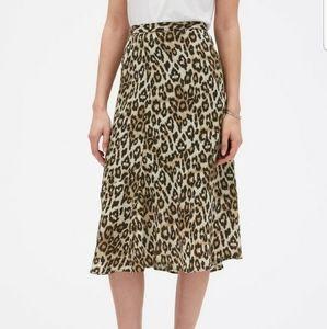 Banana Republic leopard print skirt size 8